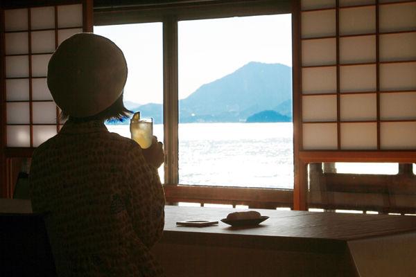NMB48・市川美織(23)のフレッシュレモンの抜けるグラビアエロ画像48枚・18枚目の画像