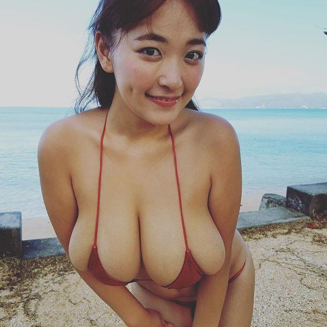 柳瀬早紀(28)100cm・Iカップのやなパイ最新グラビアエロ画像131枚・50枚目の画像