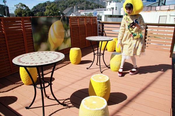 NMB48・市川美織(23)のフレッシュレモンの抜けるグラビアエロ画像48枚・20枚目の画像