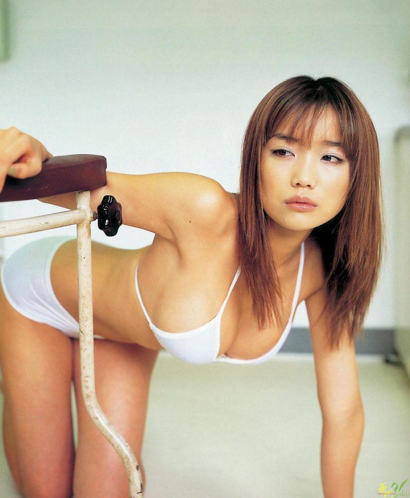 サトエリこと佐藤江梨子(35)ヌードエロ画像47枚・22枚目の画像