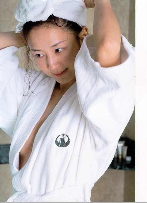 相田翔子(47)のヌード濡れ場エロ画像60枚・23枚目の画像