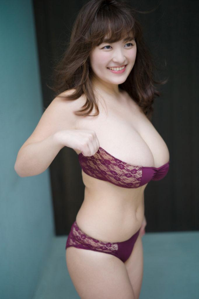 柳瀬早紀(28)100cm・Iカップのやなパイ最新グラビアエロ画像131枚・27枚目の画像