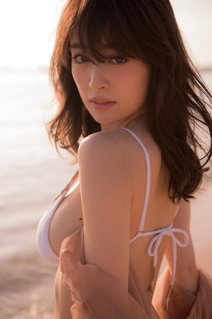 モデル泉里香(28)の水着写真集&最新グラビアエロ画像140枚・84枚目の画像