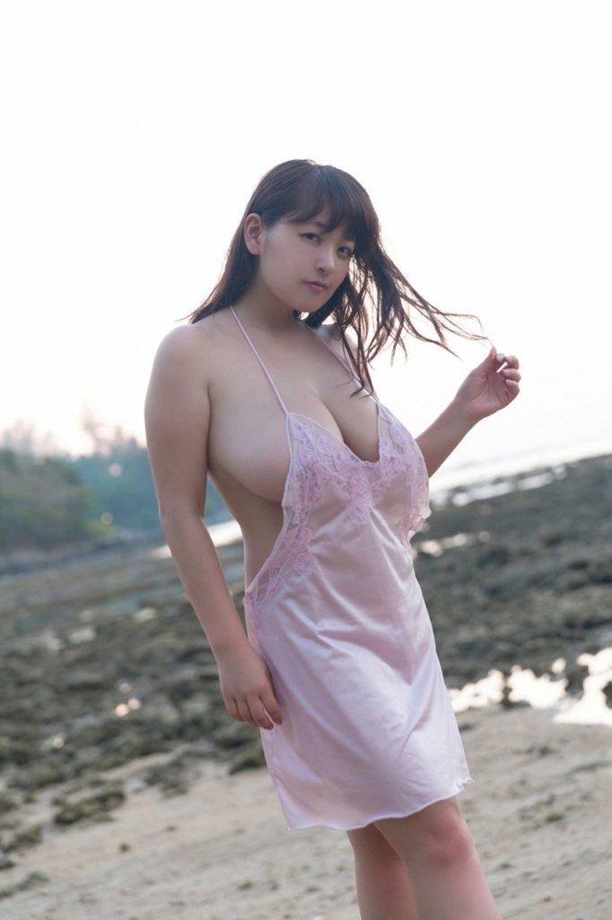 柳瀬早紀(28)100cm・Iカップのやなパイ最新グラビアエロ画像131枚・124枚目の画像