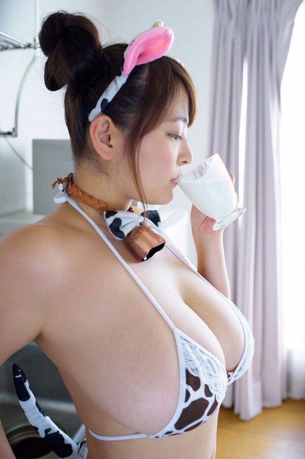 柳瀬早紀(28)100cm・Iカップのやなパイ最新グラビアエロ画像131枚・129枚目の画像
