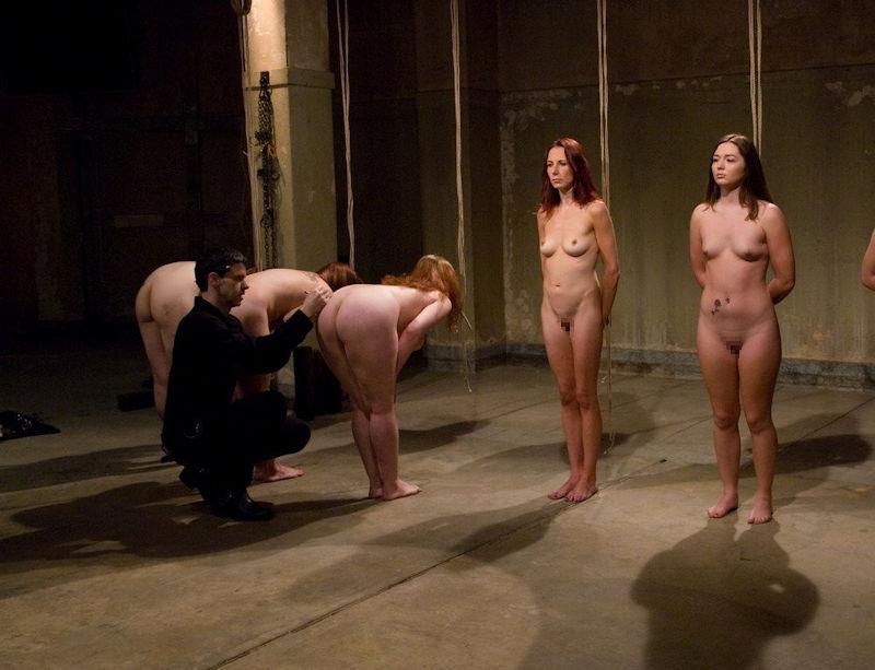 世界の人身売買・売春オークションのエロ画像35枚