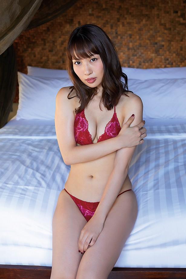 元AKB48増田有華(26)手ブラヌード最新グラビアエロ画像46枚・3枚目の画像