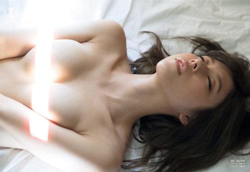 有村架純の実姉・有村藍里(新井ゆうこ)のヌード写真集エロ画像54枚