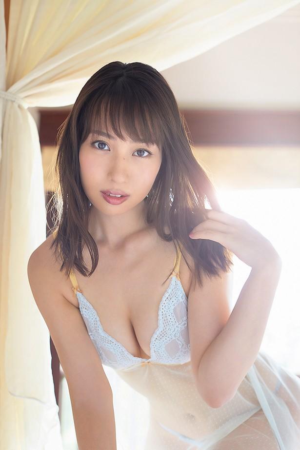 元AKB48増田有華(26)手ブラヌード最新グラビアエロ画像46枚・4枚目の画像