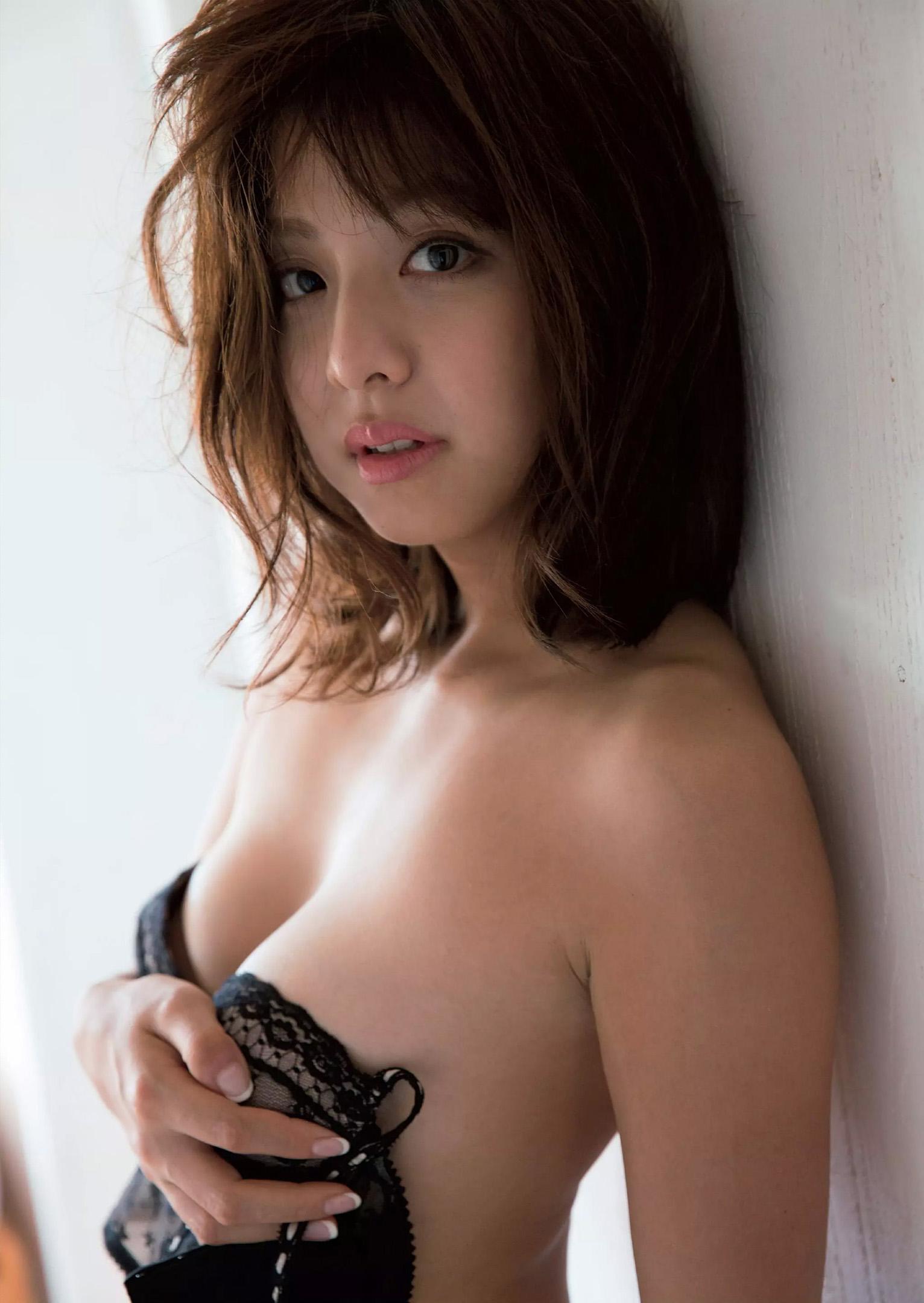 本郷杏奈(26)ノーブラヌード解禁!抜けるグラビア画像60枚