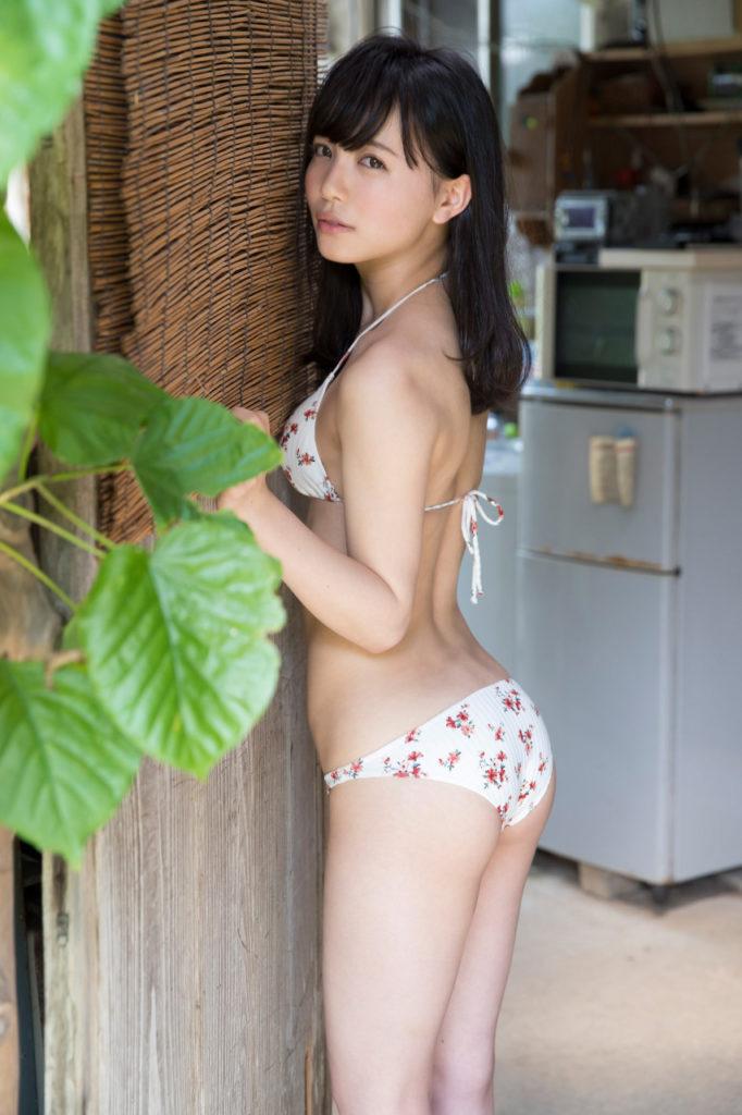 スー女・山根千佳(21)Bカップの水着グラビアエロ画像35枚・5枚目の画像
