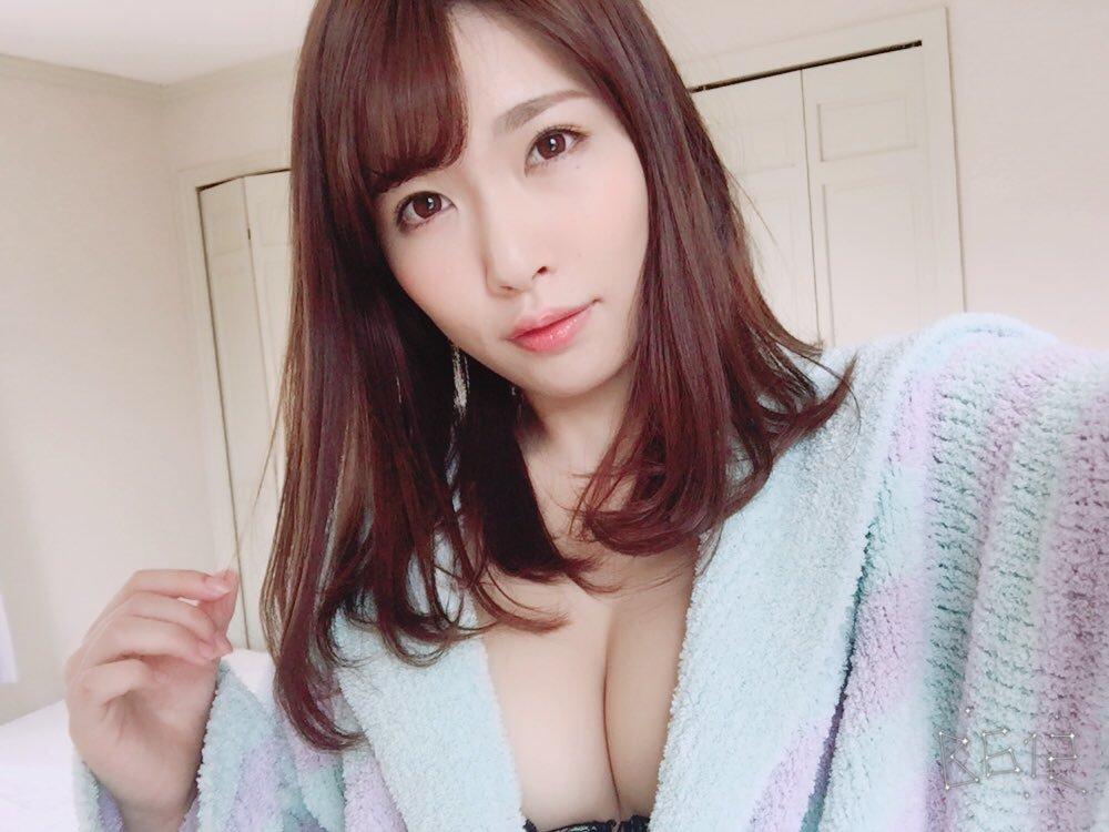 上岡楓(19)Fカップグラドルのエロ画像30枚・8枚目の画像