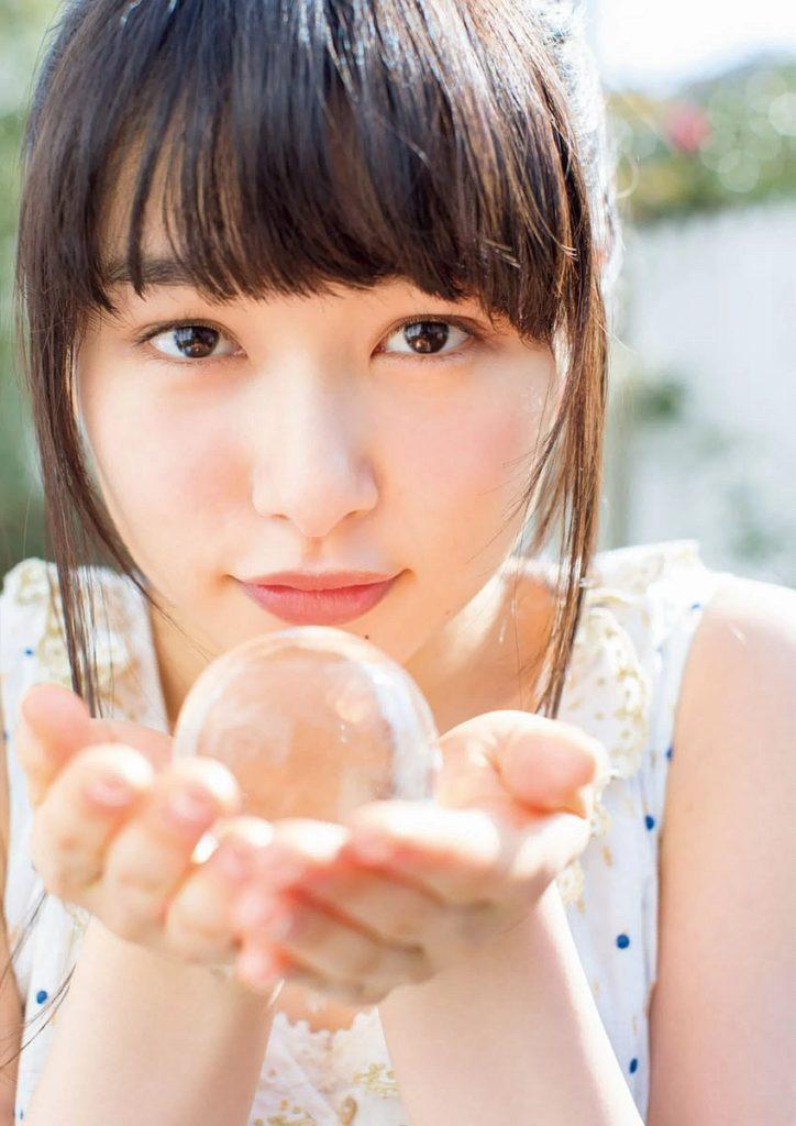 桜井日奈子(20)ピチピチ美肌の最新グラビアエロ画像24枚・8枚目の画像