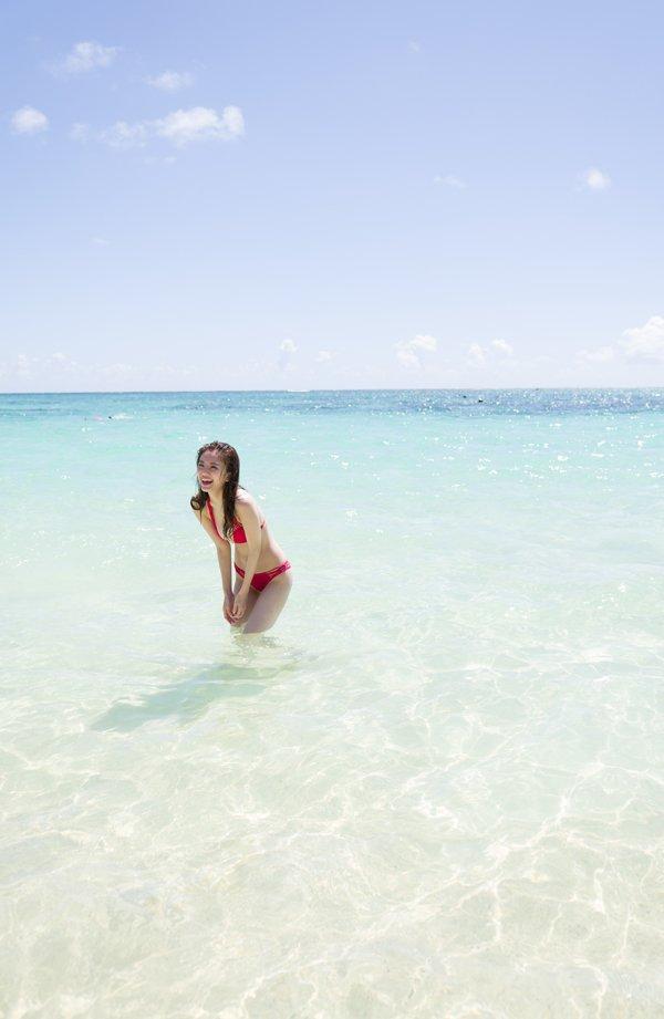 伊東紗冶子(23)Gカップキャスターの水着グラビア画像60枚・15枚目の画像