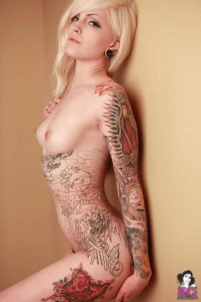 アートなん?タトゥー大量外国人のヌードエロ画像35枚・15枚目の画像
