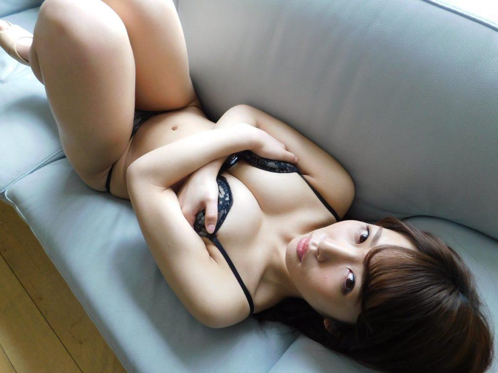 上岡楓(19)Fカップグラドルのエロ画像30枚・16枚目の画像