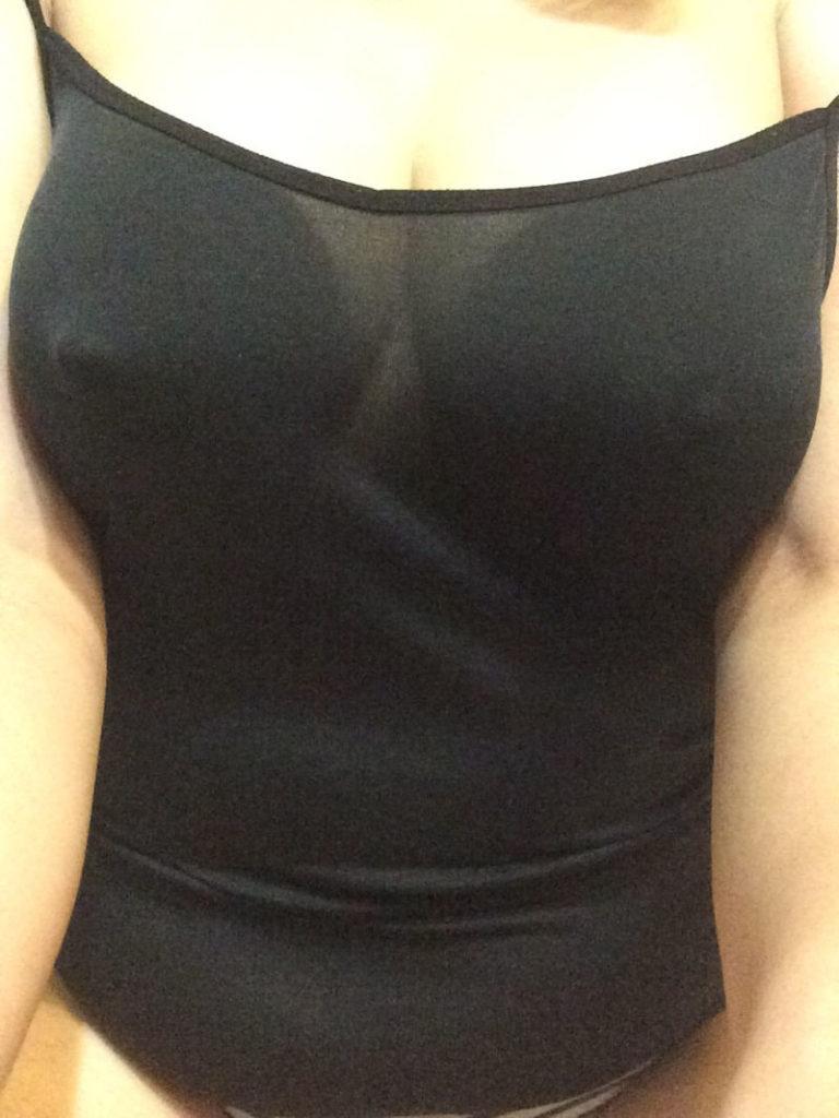 キャミ姿の巨乳女子のエロ画像50枚・32枚目の画像
