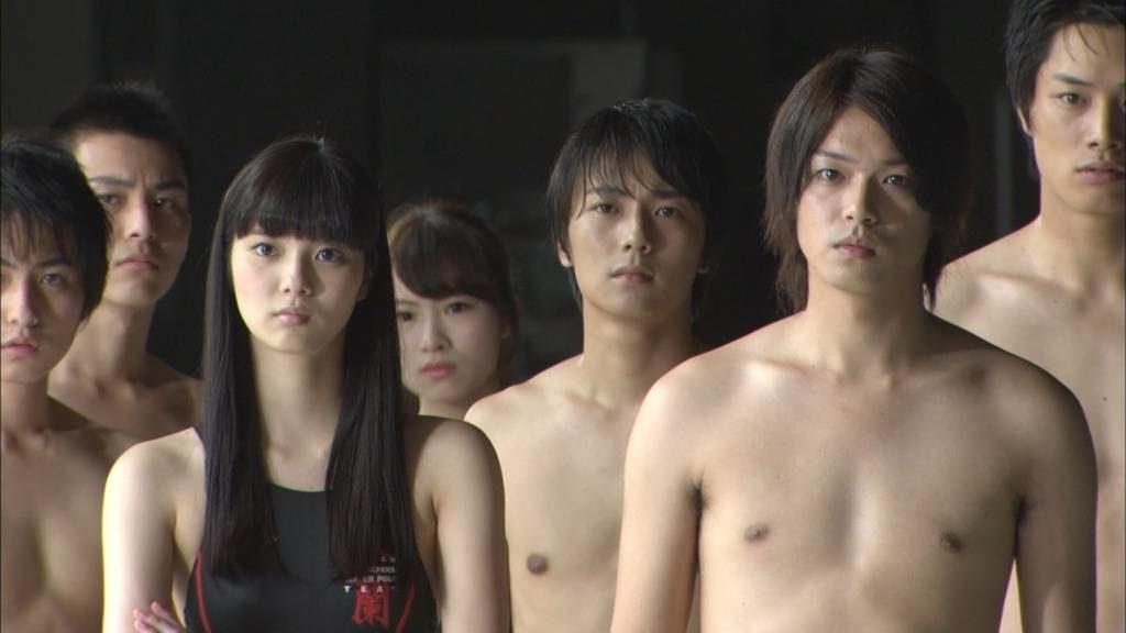 新川優愛 エロ画像90枚!清楚お姉さんの水着姿や濡れ場が抜ける!・45枚目の画像