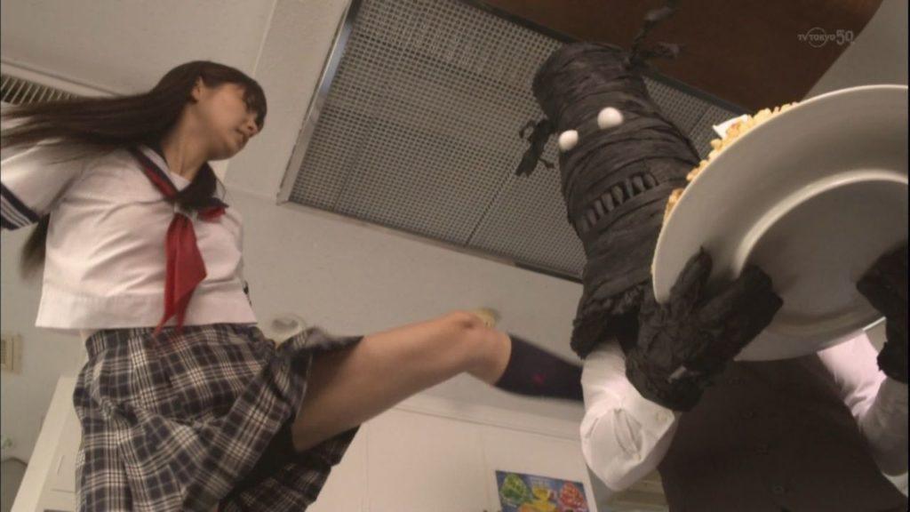 新川優愛 エロ画像90枚!清楚お姉さんの水着姿や濡れ場が抜ける!・63枚目の画像