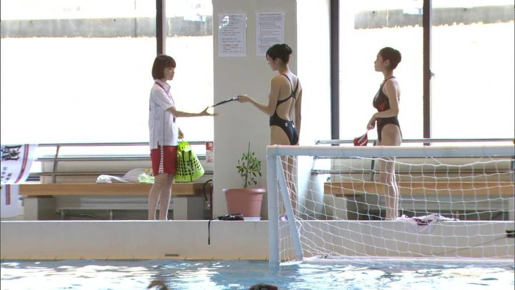 新川優愛 エロ画像90枚!清楚お姉さんの水着姿や濡れ場が抜ける!・77枚目の画像
