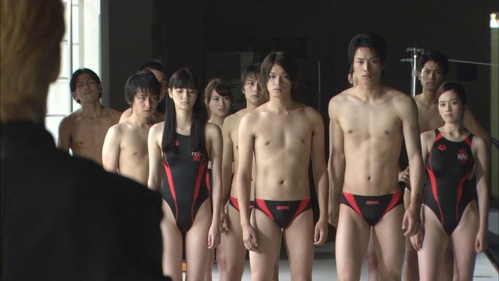 新川優愛 エロ画像90枚!清楚お姉さんの水着姿や濡れ場が抜ける!・78枚目の画像