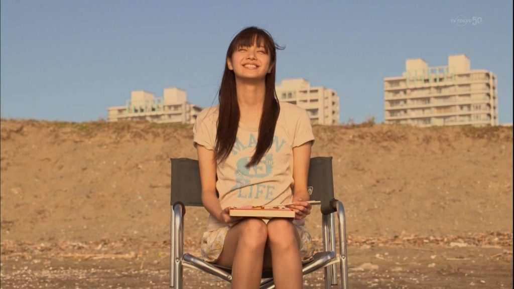 新川優愛 エロ画像90枚!清楚お姉さんの水着姿や濡れ場が抜ける!・92枚目の画像