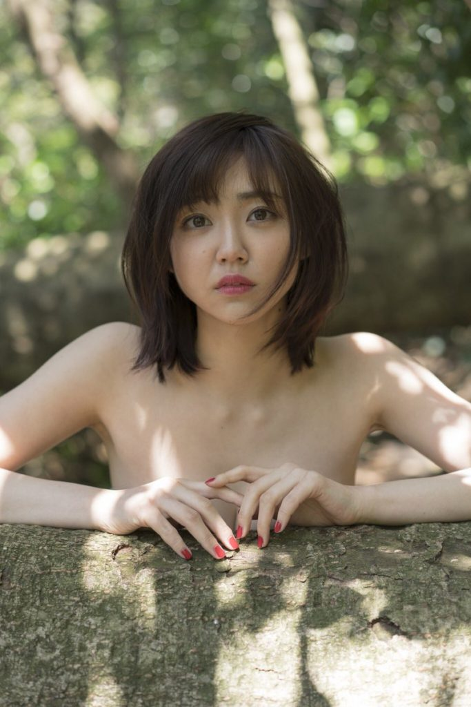 女優・山谷花純(20)のスレンダー水着グラビアエロ画像40枚・2枚目の画像