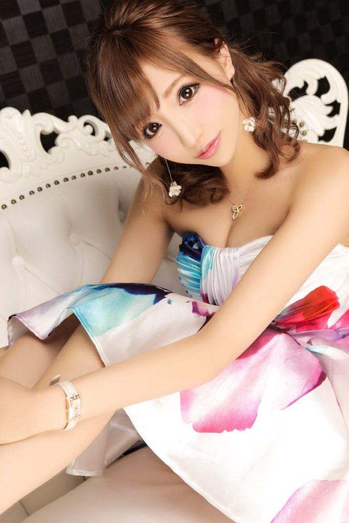 枕要員だったら最高な美人キャバ嬢のエロ画像33枚・2枚目の画像