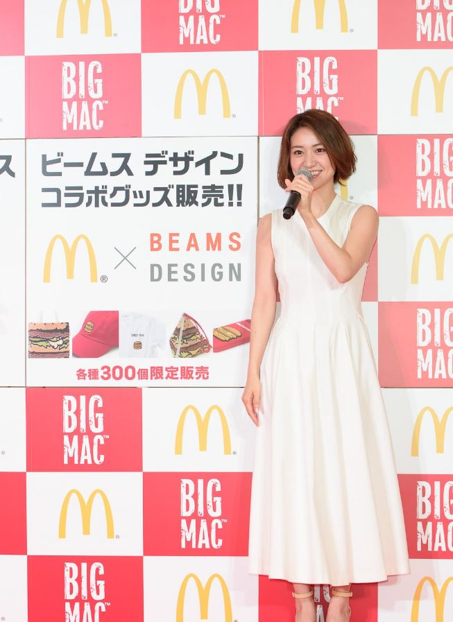 チンポ頬張るの大好き大島優子(28)のフェラ顔エロ画像50枚・3枚目の画像
