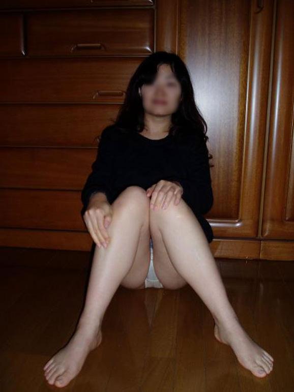 熟女限定!白下着姿のリベンジポルノエロ画像21枚・3枚目の画像