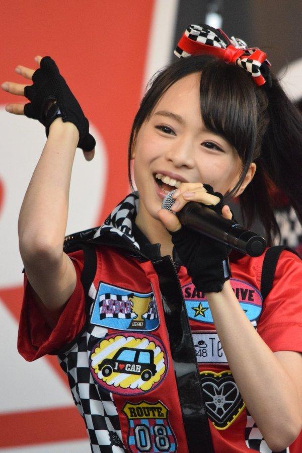 AKB48・倉野尾成美(16)のセーラー服グラビアエロ画像25枚・5枚目の画像