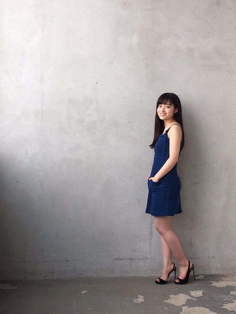 非処女確定?橋本環奈(18)胸チラ谷間が抜ける最新グラビアエロ画像35枚・7枚目の画像