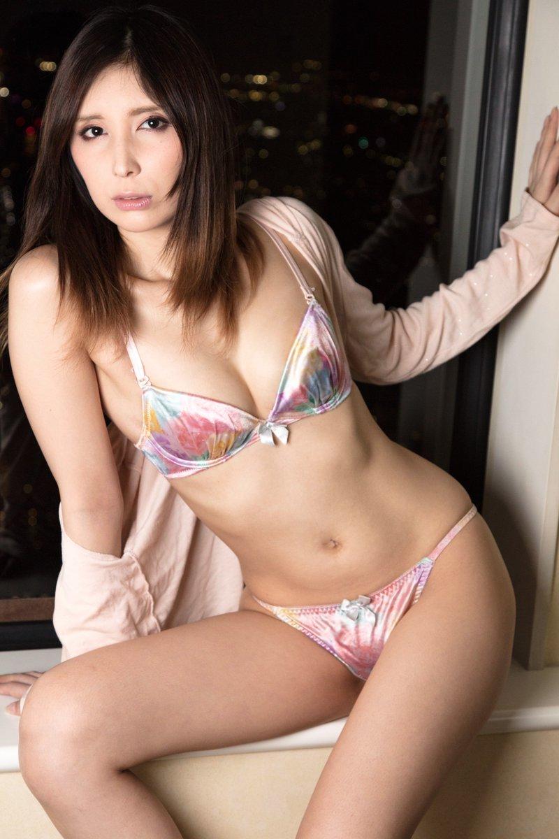 AVデビューした仲村みう(26)のヌードエロ画像140枚・8枚目の画像