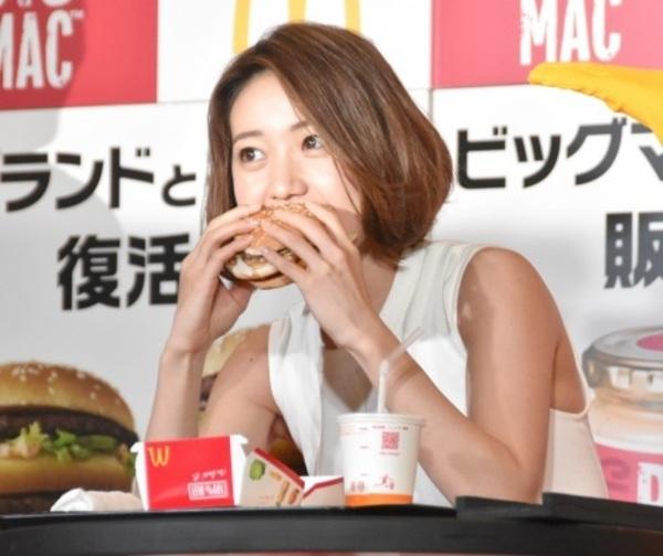 チンポ頬張るの大好き大島優子(28)のフェラ顔エロ画像50枚・9枚目の画像