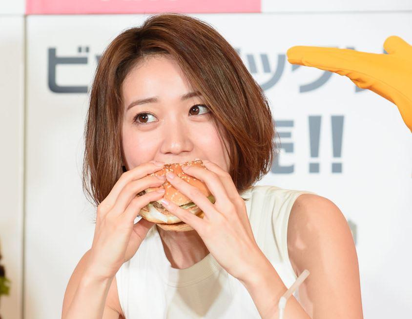 チンポ頬張るの大好き大島優子(28)のフェラ顔エロ画像50枚・10枚目の画像