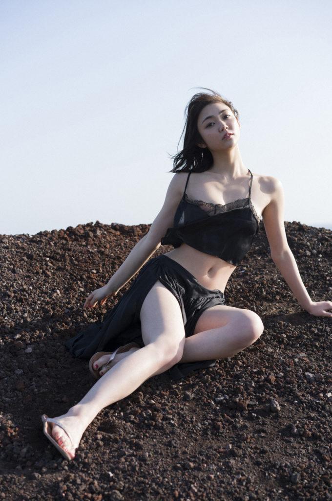 女優・山谷花純(20)のスレンダー水着グラビアエロ画像40枚・10枚目の画像