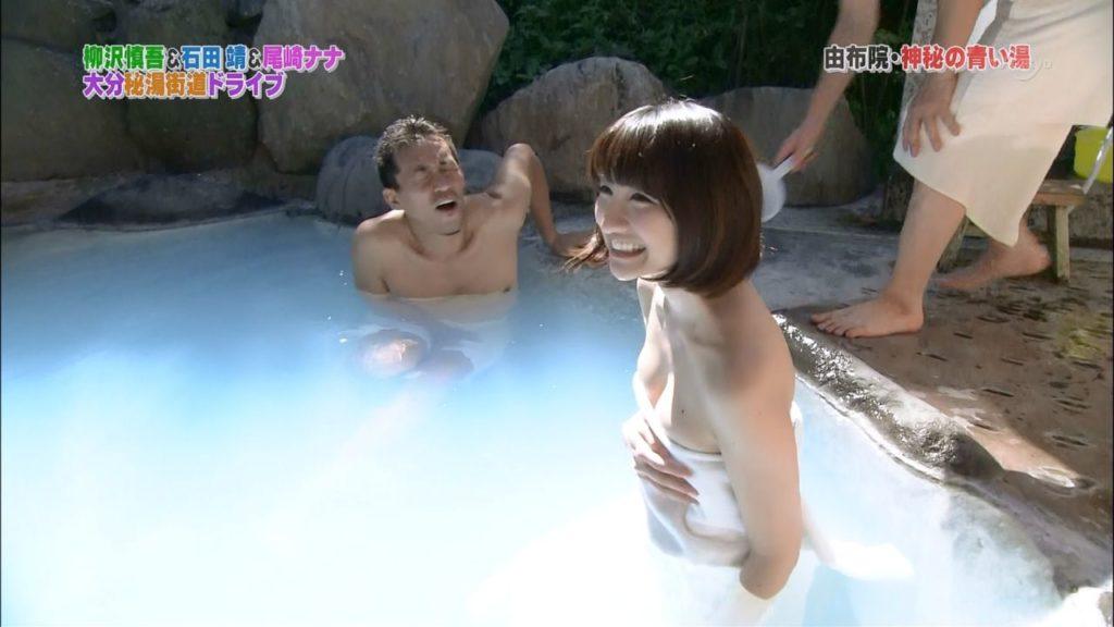 ハプニング不可避のTV入浴シーンのエロ画像35枚・10枚目の画像