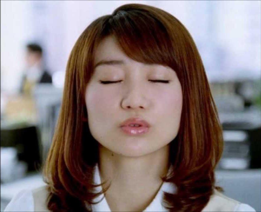 チンポ頬張るの大好き大島優子(28)のフェラ顔エロ画像50枚・12枚目の画像