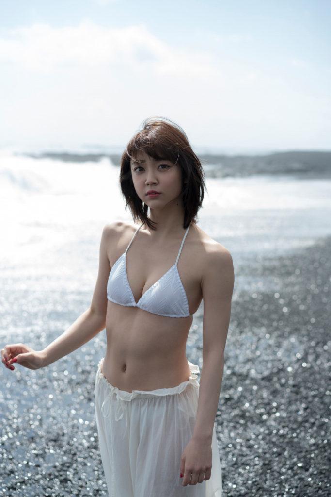女優・山谷花純(20)のスレンダー水着グラビアエロ画像40枚・12枚目の画像