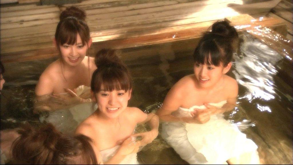 ハプニング不可避のTV入浴シーンのエロ画像35枚・12枚目の画像