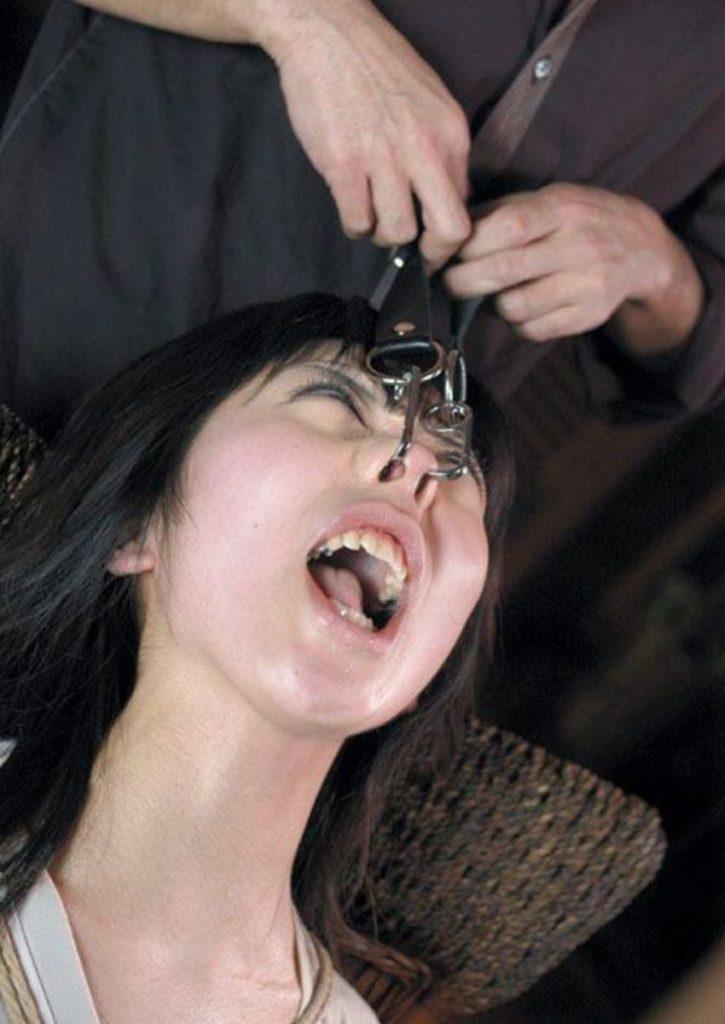鼻フックという一番屈辱的なSMプレイのエロ画像30枚・13枚目の画像