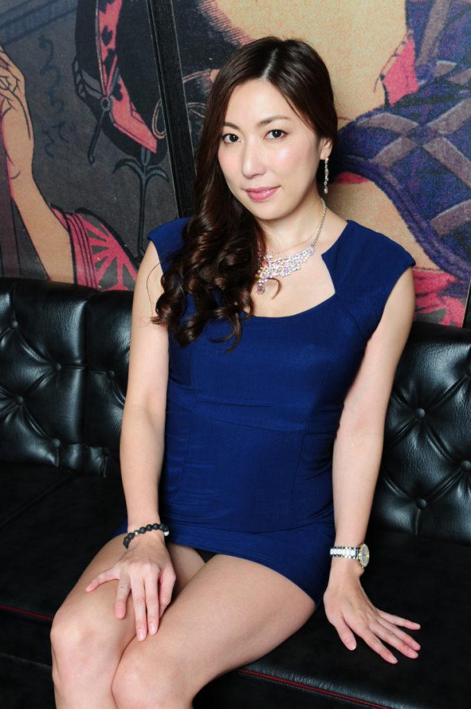 枕要員だったら最高な美人キャバ嬢のエロ画像33枚・14枚目の画像