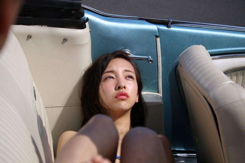 板野友美(26)のヌード間近の変態ハミ尻写真集エロ画像70枚・45枚目の画像