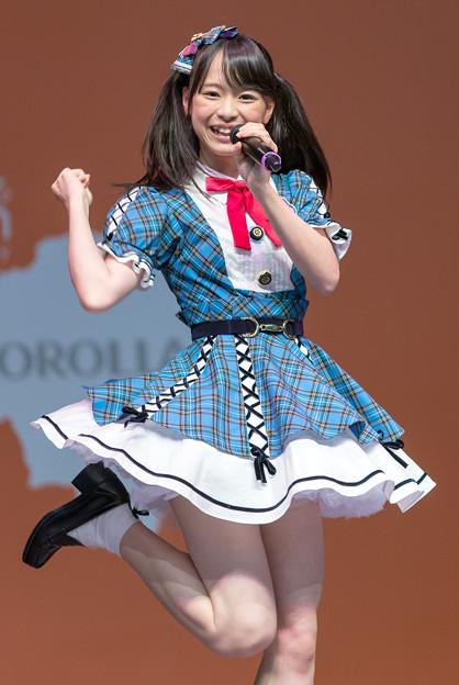 AKB48・倉野尾成美(16)のセーラー服グラビアエロ画像25枚・16枚目の画像