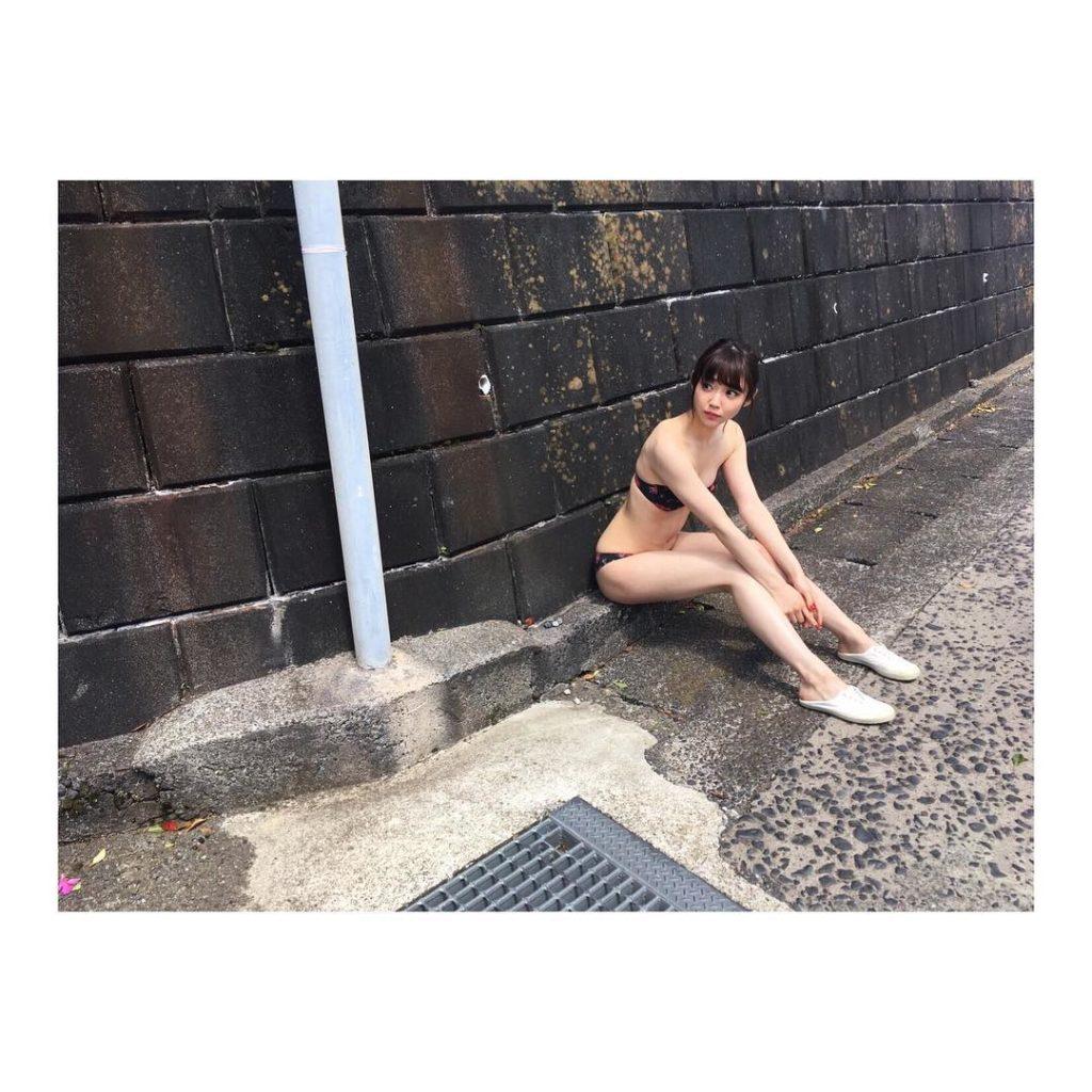 女優・山谷花純(20)のスレンダー水着グラビアエロ画像40枚・17枚目の画像