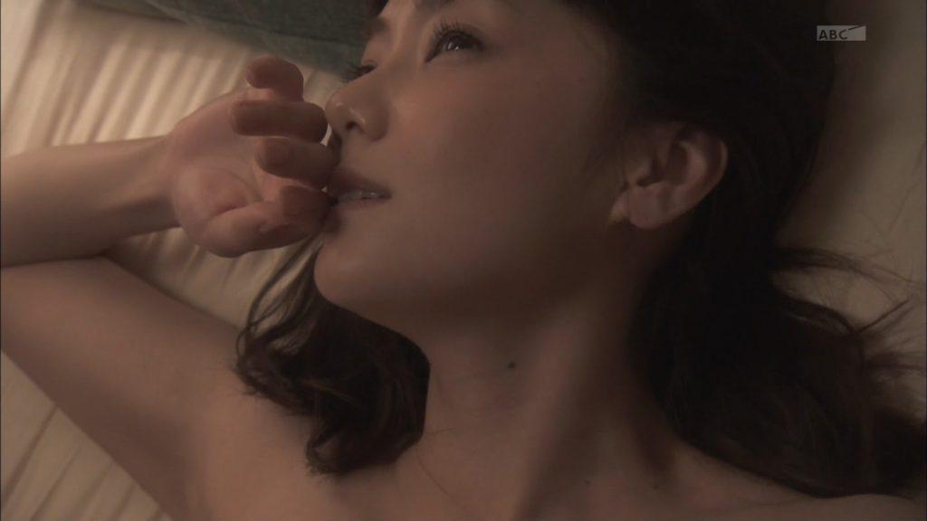 倉科カナ(29)着衣巨乳、濡れ場etc…最新エロ画像100枚・17枚目の画像