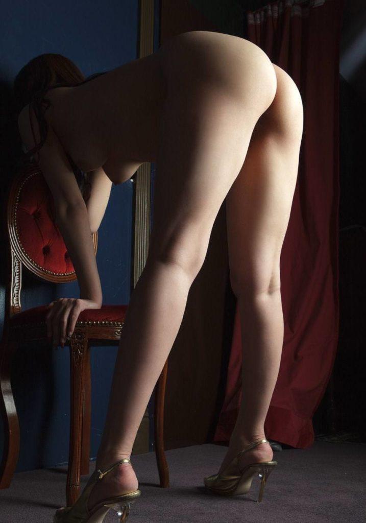 ヒールだけ履いてるセクシーヌードエロ画像35枚・17枚目の画像