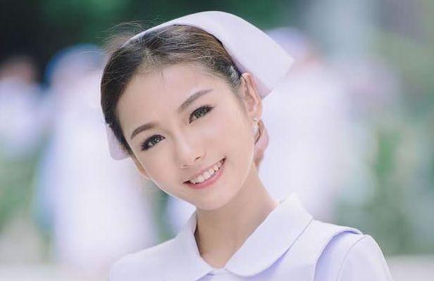 タイのセクシー過ぎるナースさんのエロ画像25枚・17枚目の画像