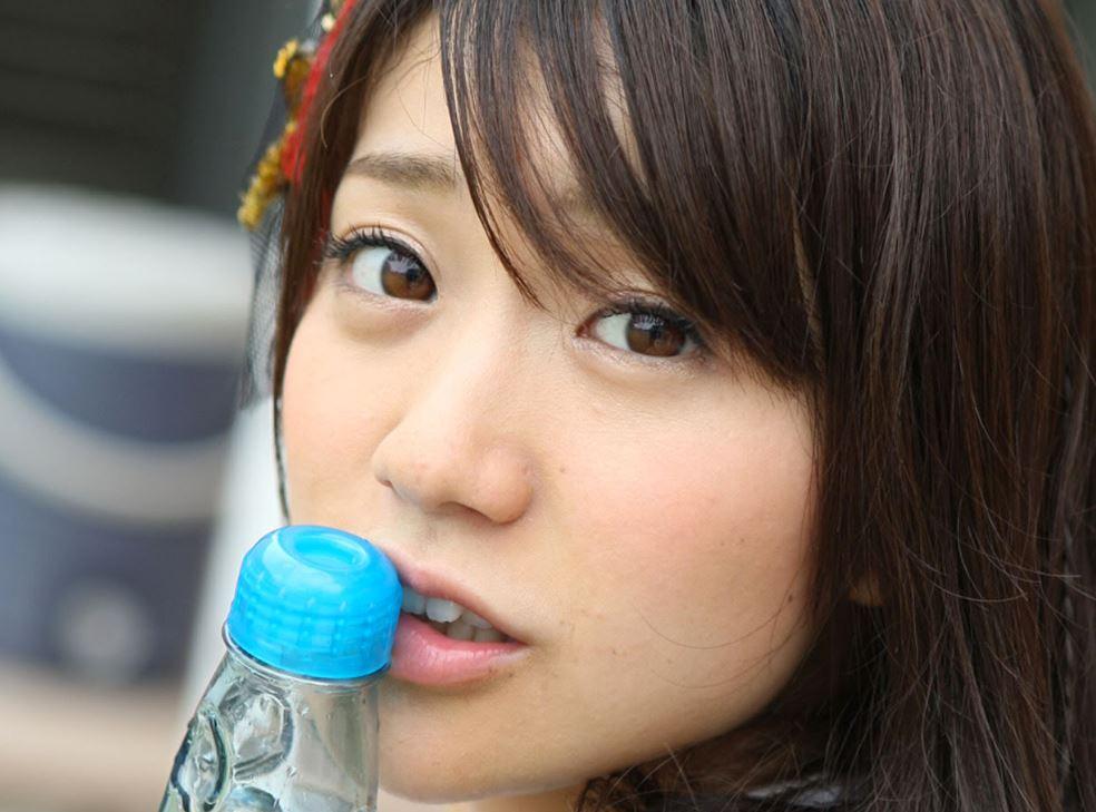 チンポ頬張るの大好き大島優子(28)のフェラ顔エロ画像50枚・17枚目の画像