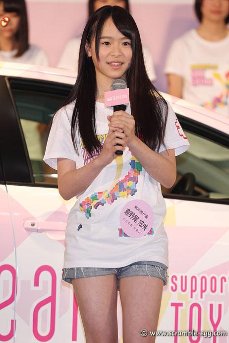 AKB48・倉野尾成美(16)のセーラー服グラビアエロ画像25枚・18枚目の画像
